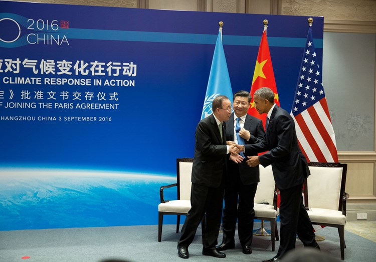 Obama and China agreeing Paris agreement