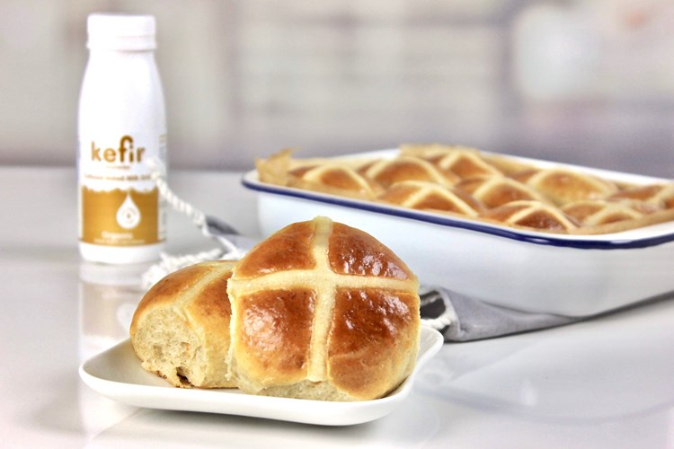 Biotiful Dairy Kefir Hot Cross Buns