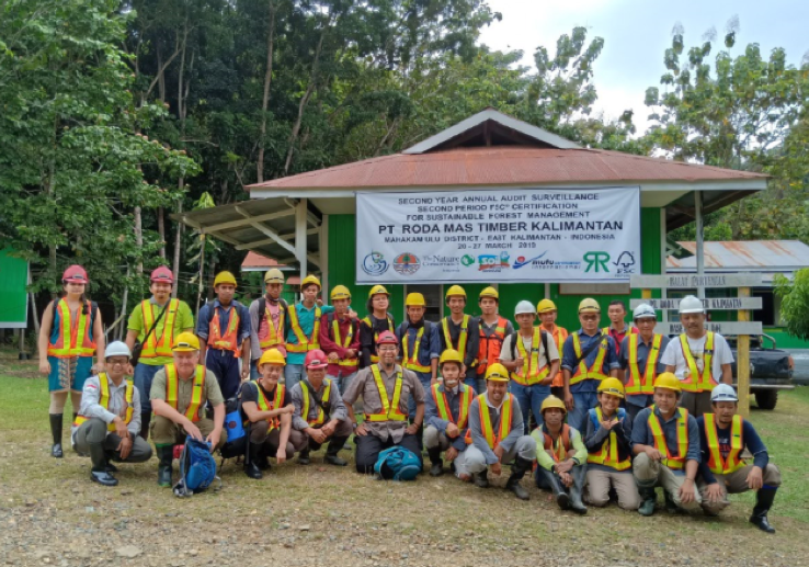 Forestry team members, Sonia Nayar and Andy Grundy, visiting partner auditor Mutu Agung Lestari in East Kalimantan, Borneo