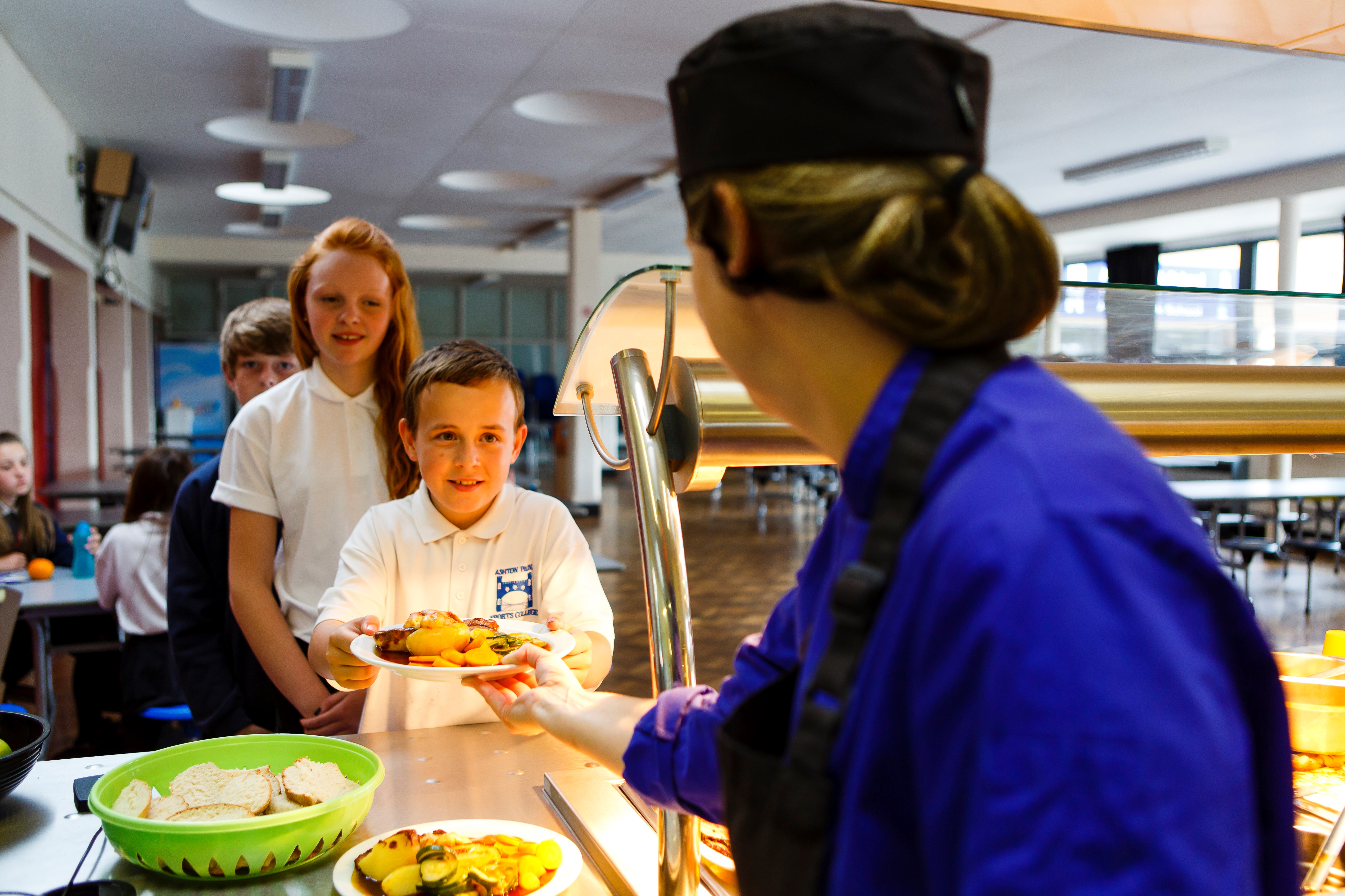 caterer children food serving school