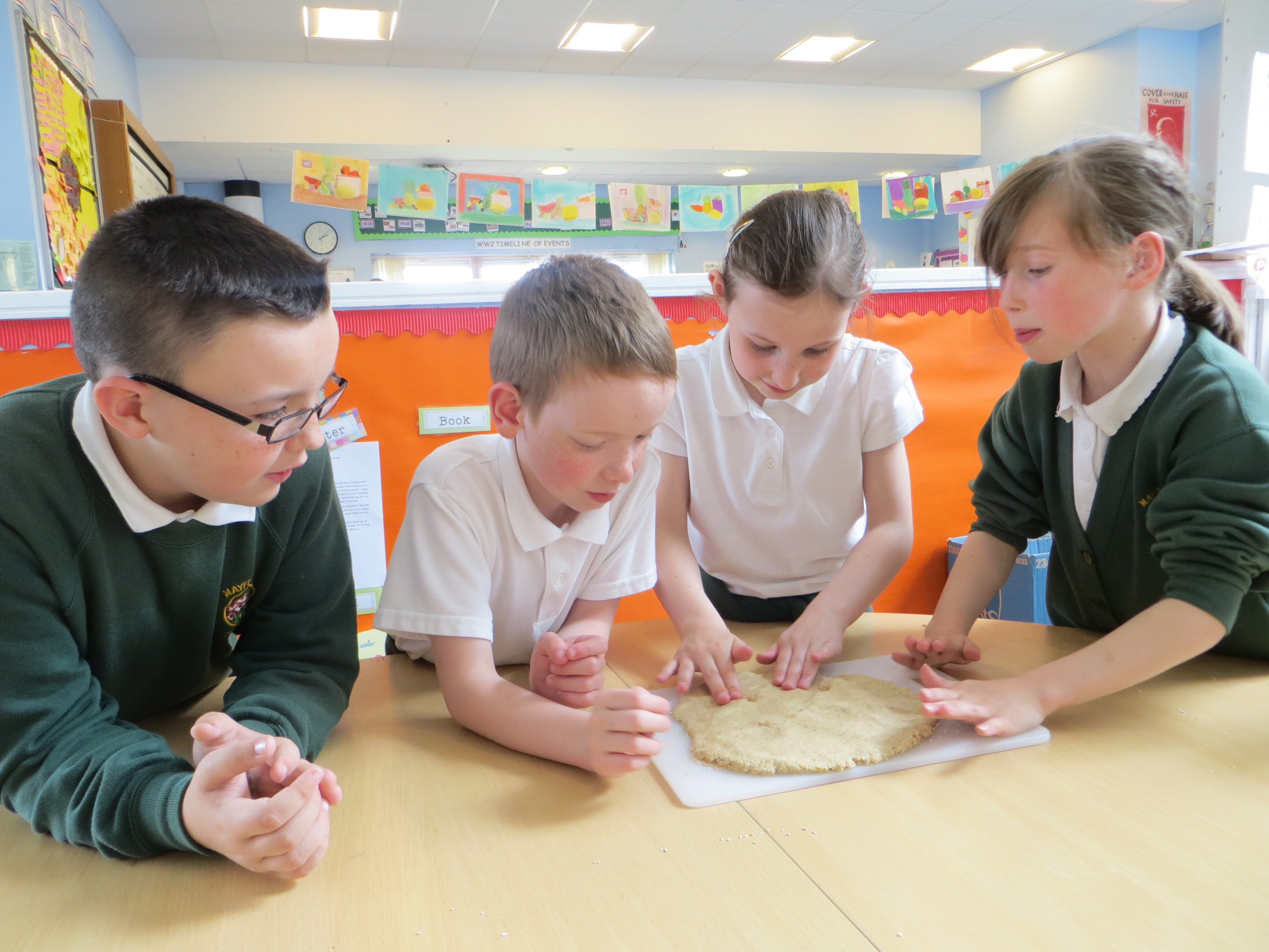 Food for Life Scotland Mayfield Primary School North Ayrshire oatcake workshop Scotland children making oatcakes in classroom.jpg