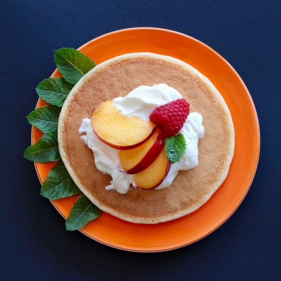 American-style pancakes with homemade yoghurt