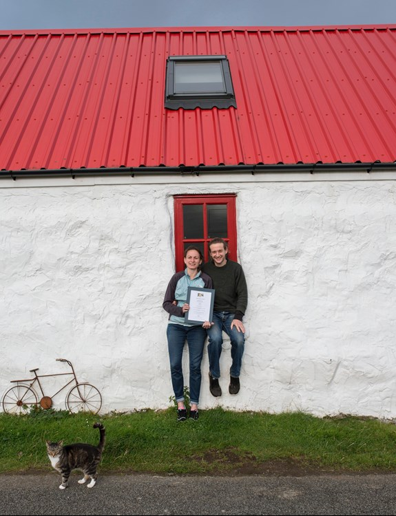 red roof owners with award