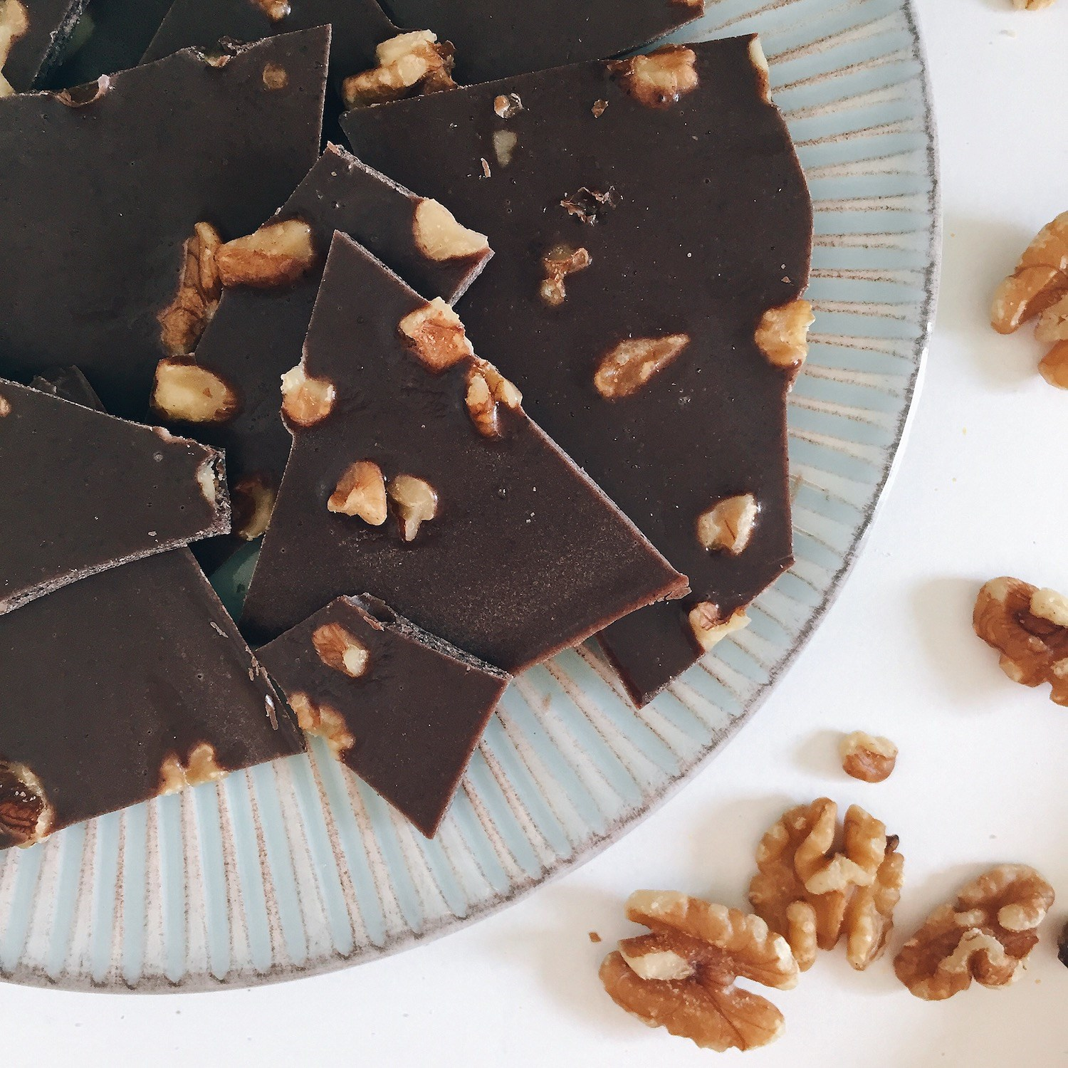 Salted Superfood Chocolate Bark 2.jpg